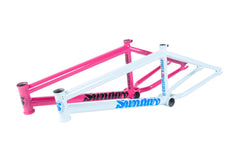 Sunday Street Sweeper Frame (Magenta)