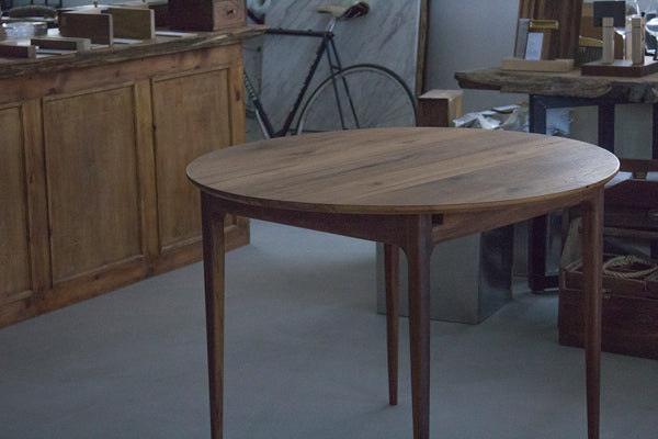 Extendable Round Table