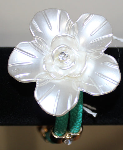 Beautiful Flower Bracelet - Ivory color flower with Teal