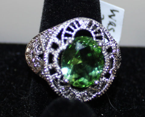 Stunning Silvertone Filigree Ring w Large Oval Faux Light Green Crystal Size 10