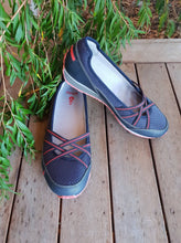 Load image into Gallery viewer, Women's Crissy II Shoe by Ahnu - Adventure Outlet - New Zealand