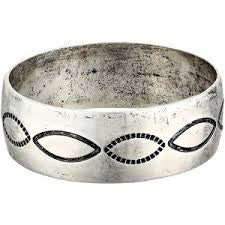 Antiqued Silver Bangle - Pistol Annie's Boutique