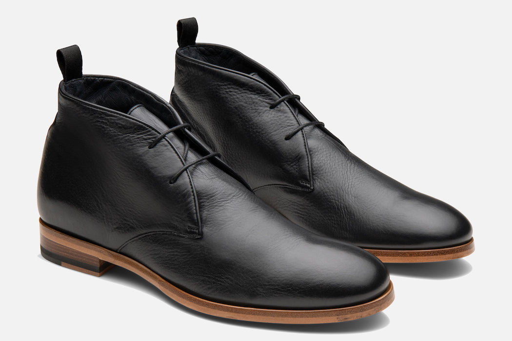 Gordon Rush Joel Chukka Boot in Black Side View Pair