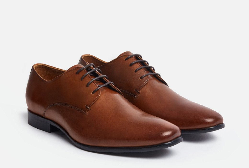 Gordon Rush Manning Derby Shoe Cognac Side View Pair