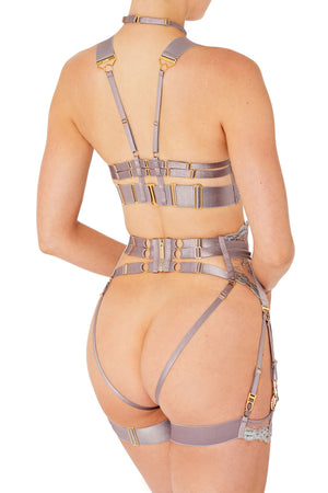 Kea ouvert suspender brief with kea ouvert wire bra and garters by Bordelle tundra strap collar