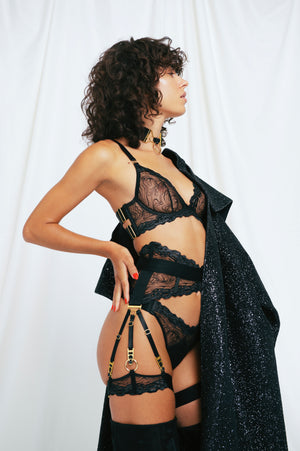 Kea ouvert suspender brief with kea plunge wire bra and kea thong and garters and rey collar by Bordelle black sheer chrome