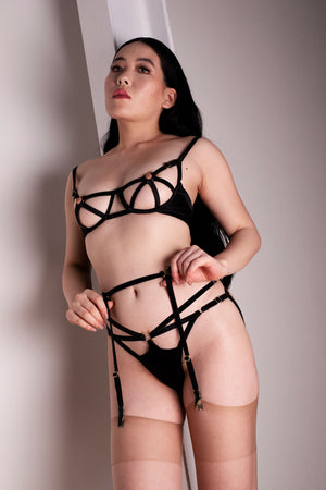 Studio Pia ouvert harness knicker with cage bra and strap suspender