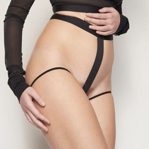 la fille d'O Not Too Soon harness brief