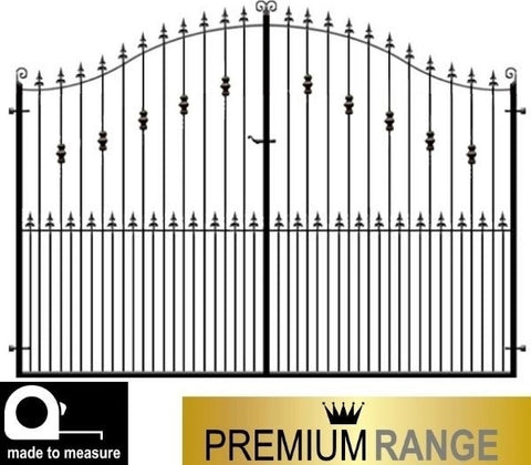 Premium Range Wentworth Estate Gates. Using deep frames combined with thick inset bars and delicate features to create a truly stunning set of gates.
