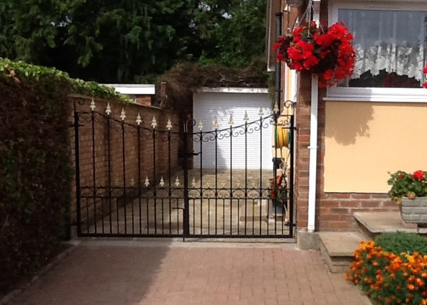 Wrought iron estate gate the chelmsford evador