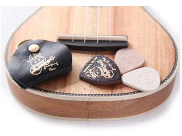 Jumping Cow Leather & Felt Ukulele Picks with Keyring Holder