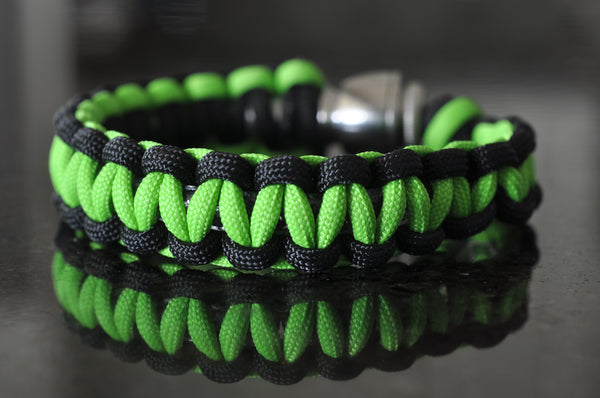 Pipe Bracelet - Black and Neon Green Paracord