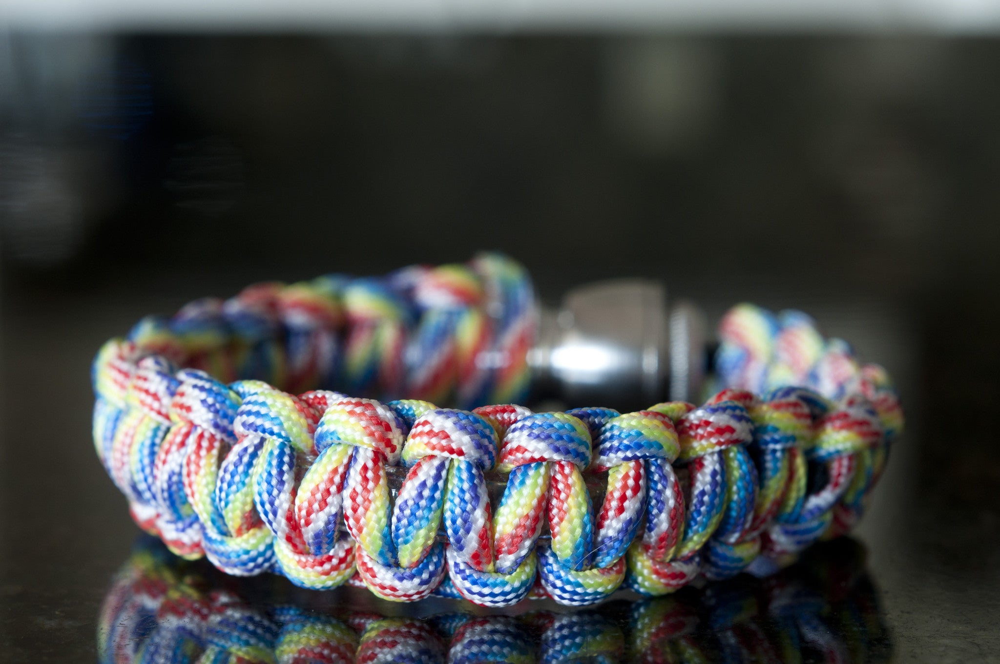 Pipe Bracelet - Rainbow Paracord