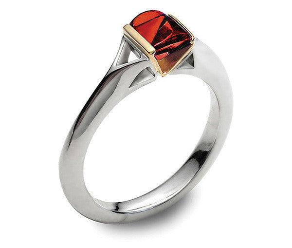 Accent Contour Ring With 9ct Gold - Garnet