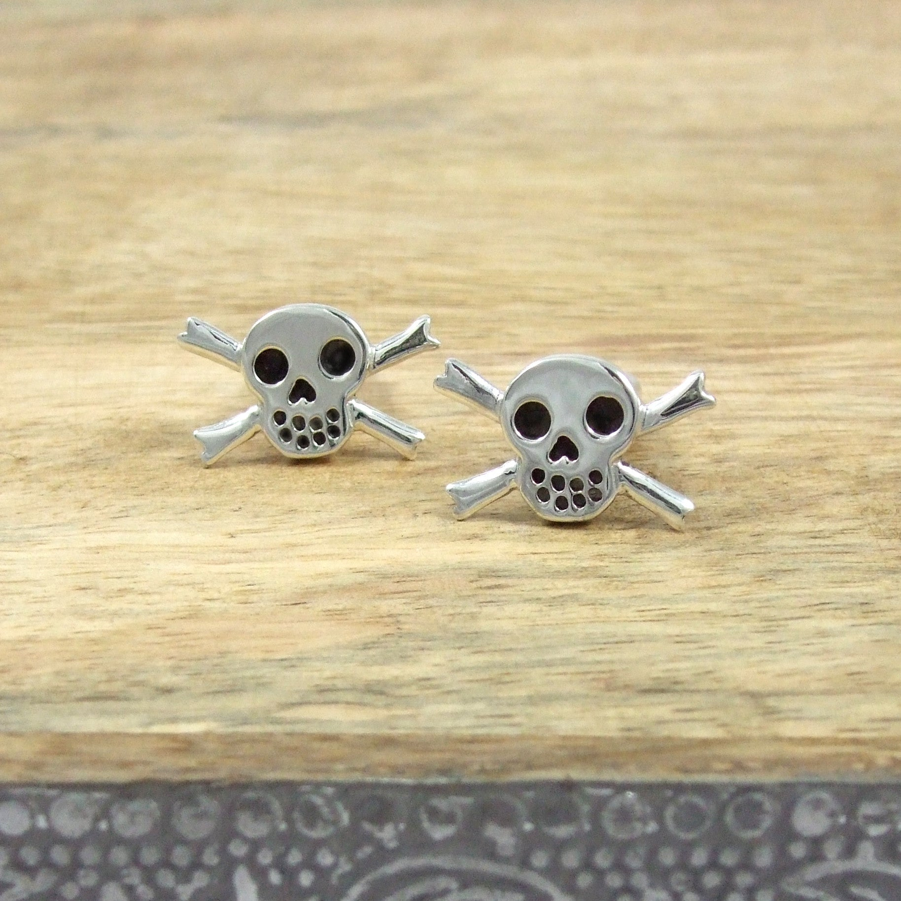 Sterling Silver Skull and Crossbone Cufflinks