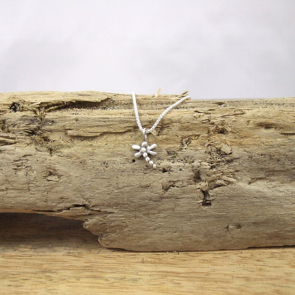 Pequeño Dragonfly Pendant in Sterling Silver