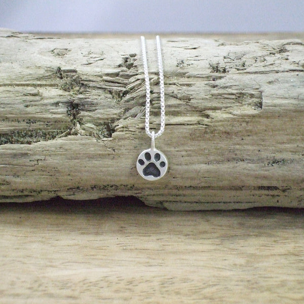 Pequeño Dog Paw Pendant with Chain