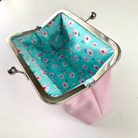 Easy Peasy Purse 2 Purse Making Kit with Fabrics - Baby Pink Daisy PU. LTD EDITION