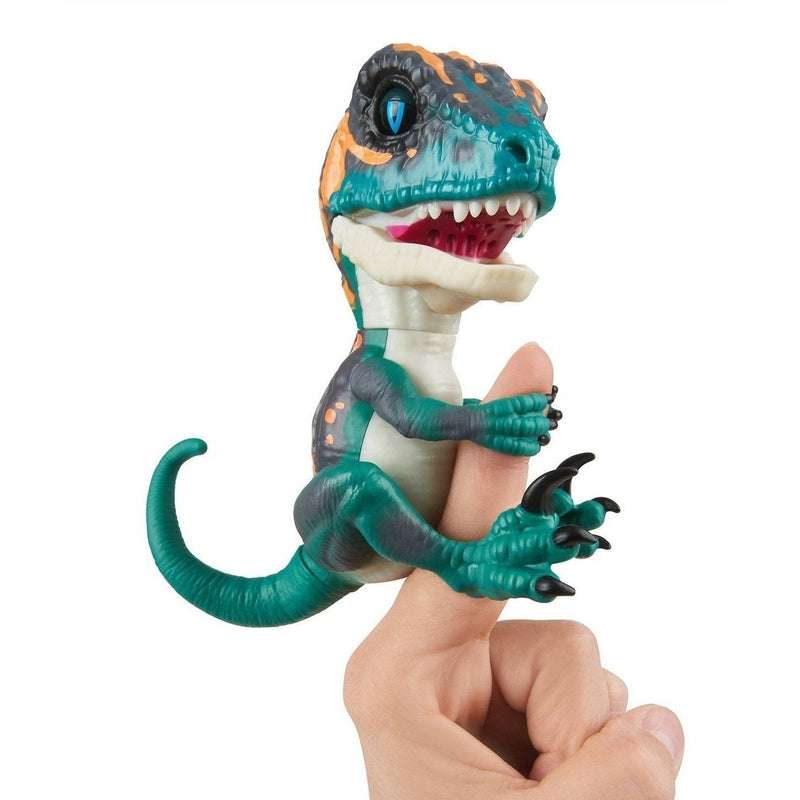 Fingerlings Untamed Raptor- Fury (Blue)