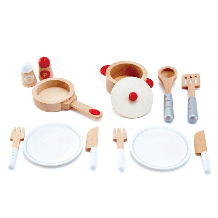Play Food And Kitchen - Hape Cook & Serve Set