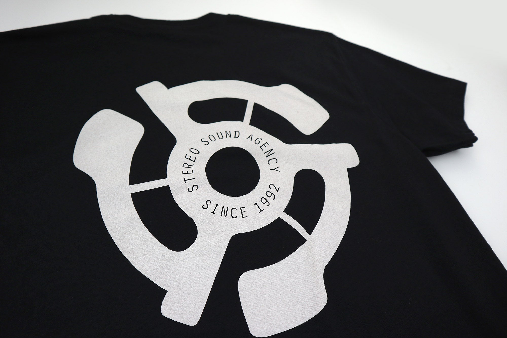Stereo 45 Adapter Tee - Black/White