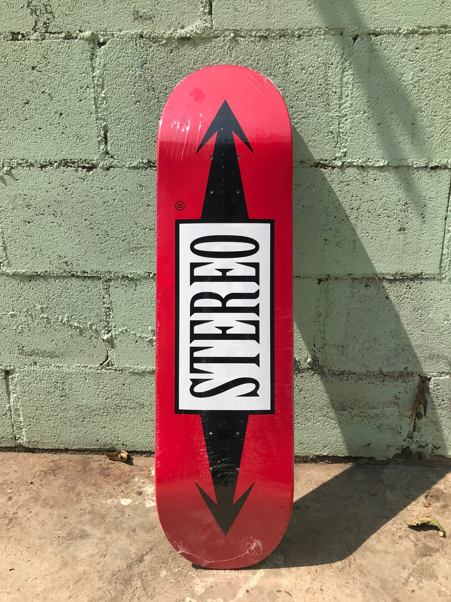 "Stereo Classic Red ""Arrows""- 8.5"""
