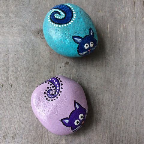 Painted Rock - Cat - by Connie Thompson