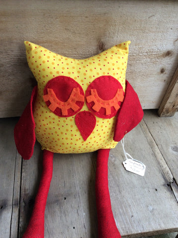 Sleepy Owl (red and yellow)