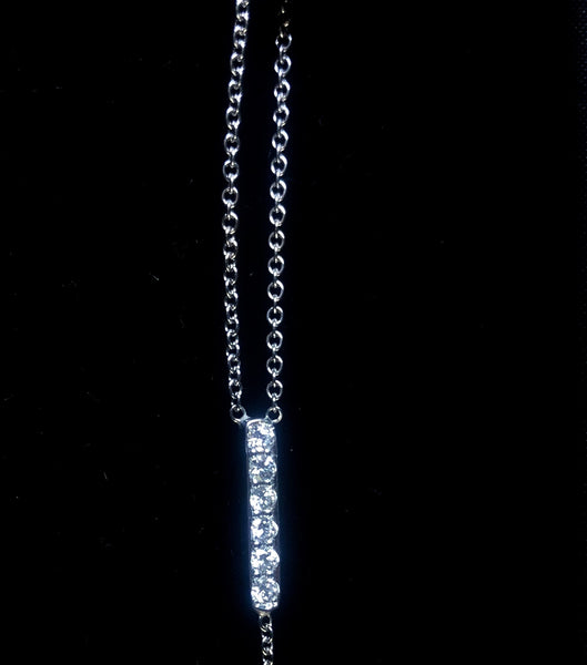 The CARRIE Lariat In 18k White Gold And Diamonds
