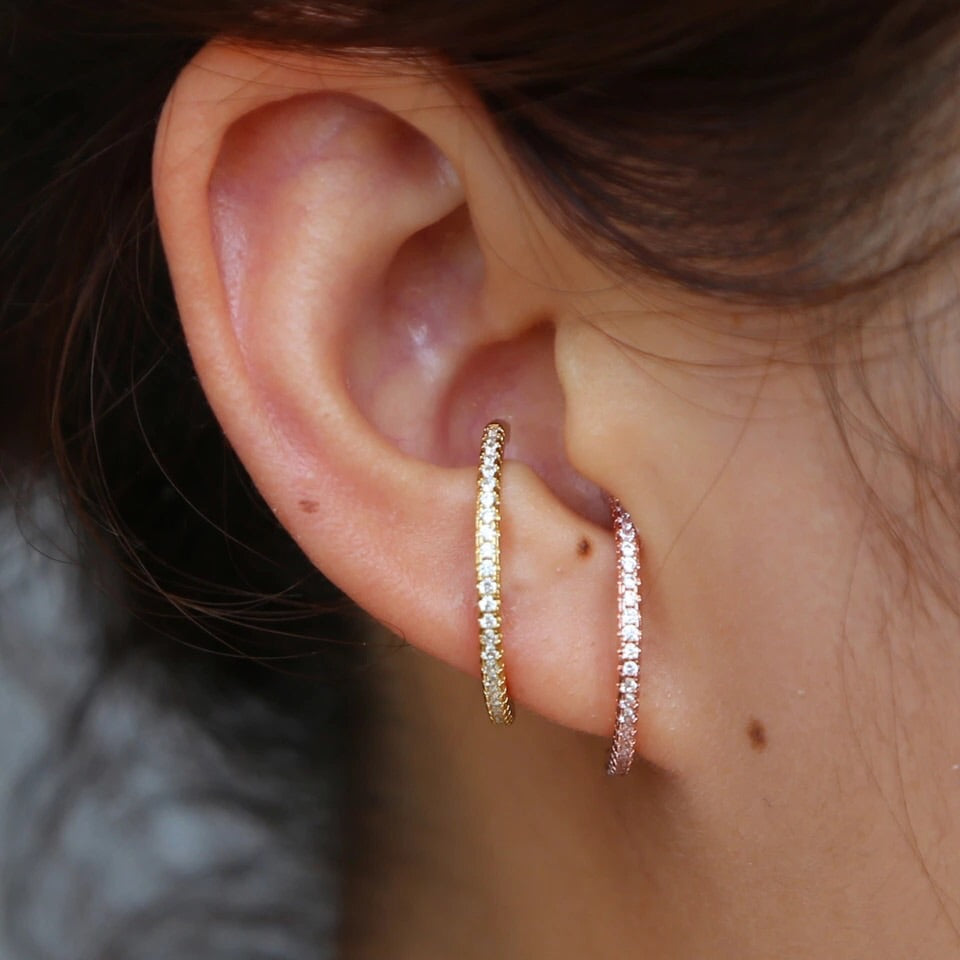 SPARKLE BAR STUD EARRING