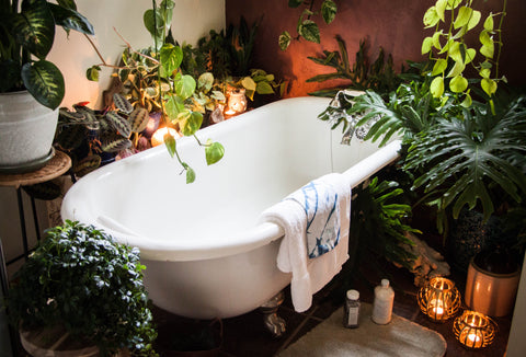 urban jungle bathtub boho chic