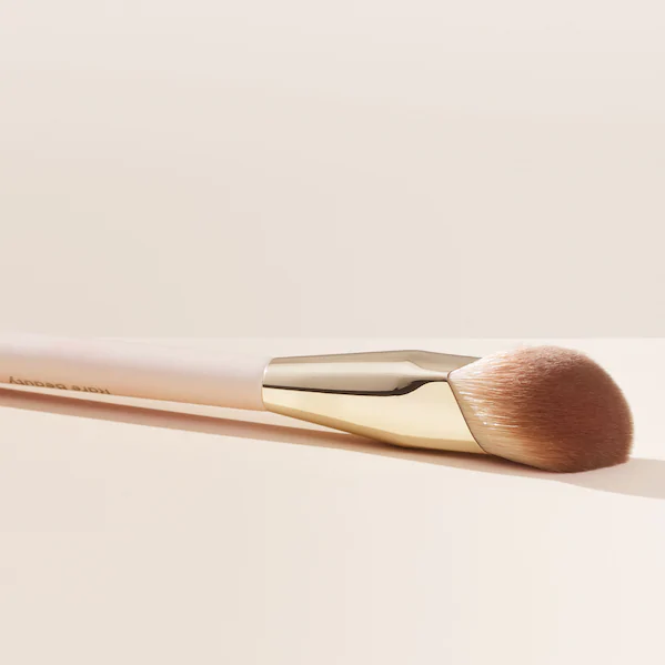 Кисть Rare Beauty Liquid Touch Foundation Brush