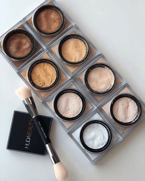 Пудра HUDA BEAUTY Easy Bake Loose Baking & Setting Powder - Shopping TEMA