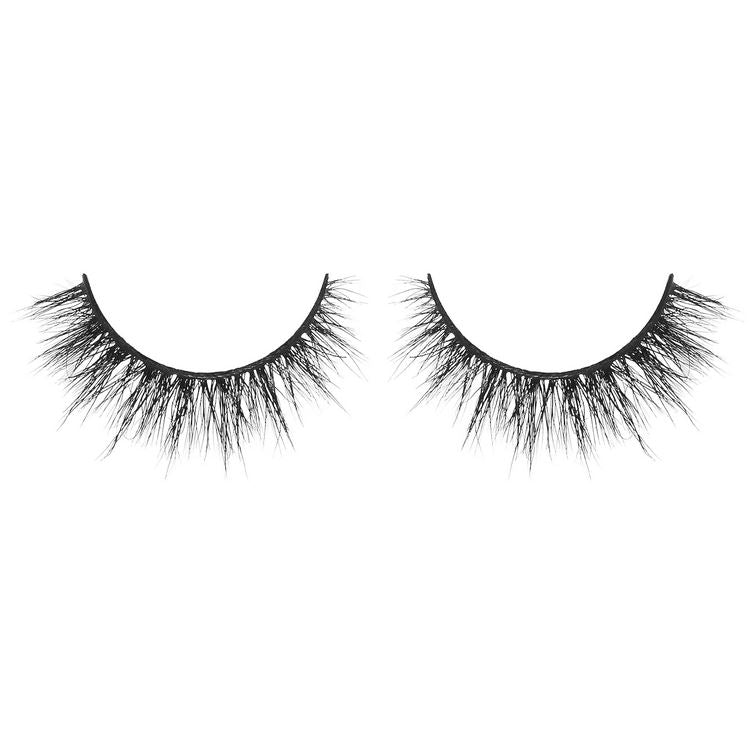 Sassy But Classy - semi dramatic lash with medium volume and whispie pattern