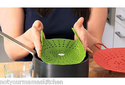 Chefu0027n SleekStor Veggie Steam Silicone Steamer, Green