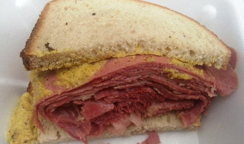 NYC Food Truck Lunch: Classic Corned Beef Sandwich From Deli & Dogz