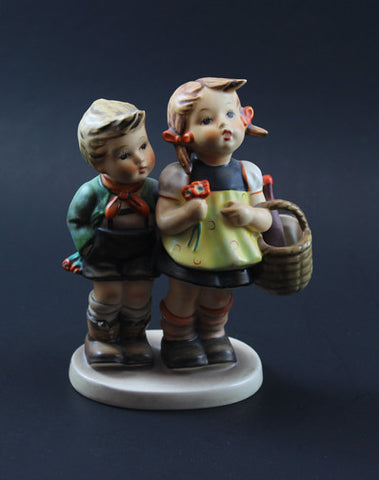 Figurines, Dolls & Collectibles
