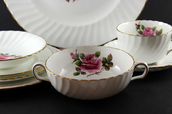 Northumbria Carleton Rose 8 Piece Place Setting