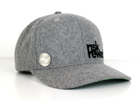 Risk.Reward® Golf Hat with Ball Marker - Grey Wooly