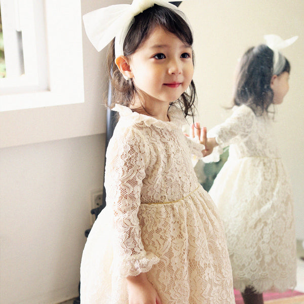 Pretty flower girl Amber Lace Dress with scallop hem in cream