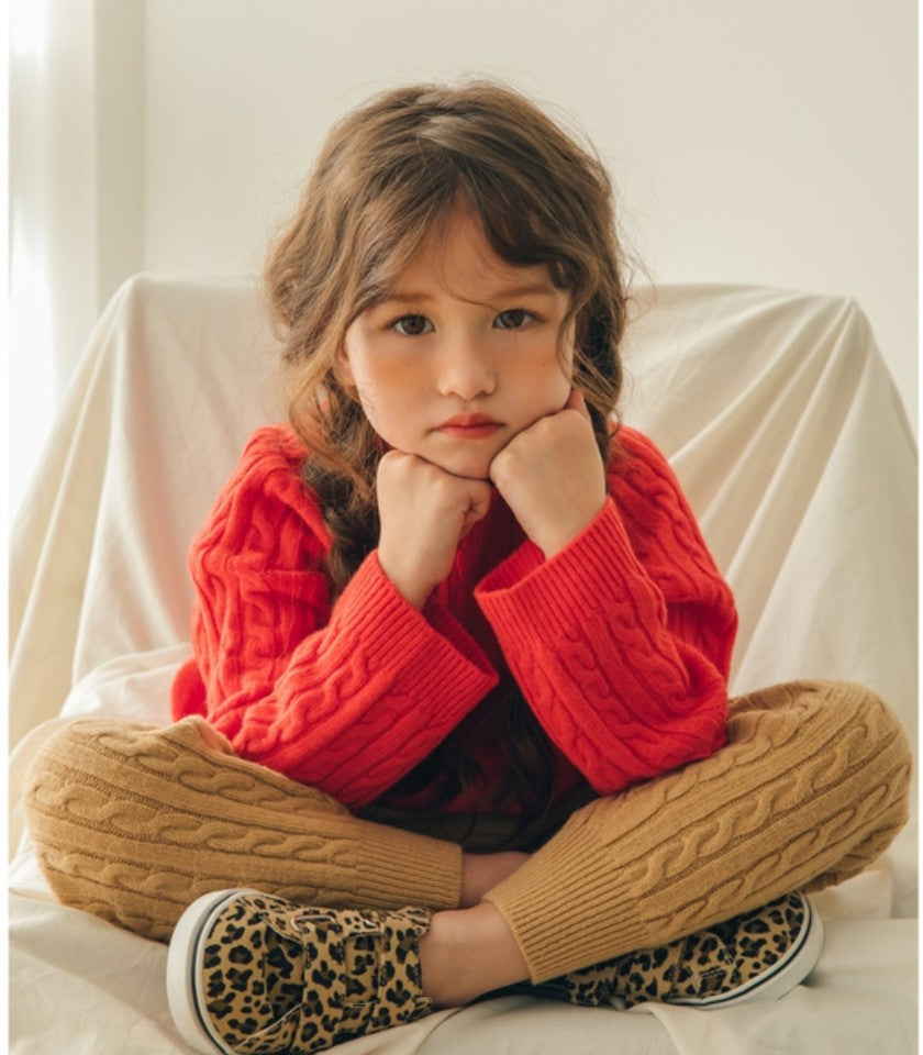 vali 12 │ bottom