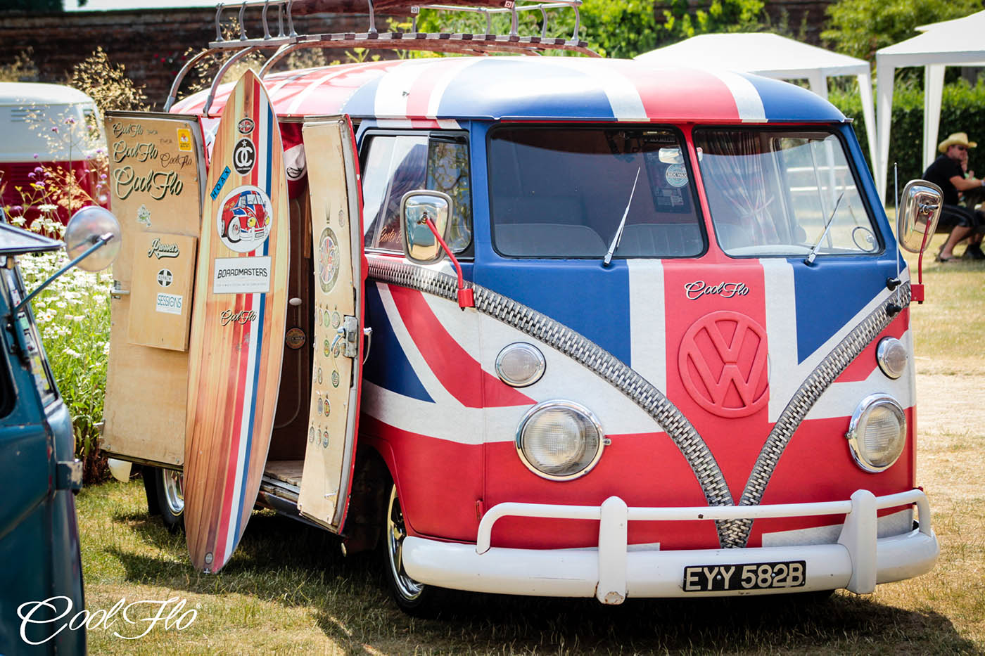 Classic Collective: Cool Flo / Spikes Vintage Restoration / VolksWorld Magazine
