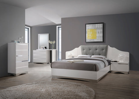 Alessandro Contemporary Glossy White Eastern King Bed