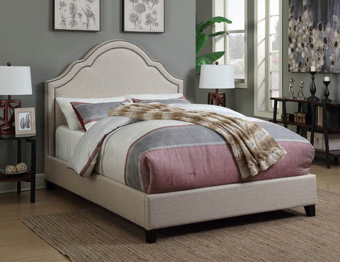 Traditional Oatmeal Upholstered King Bed With Nailhead Trim