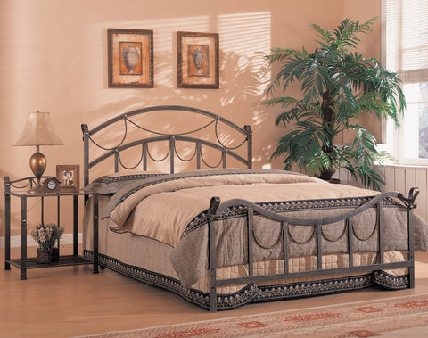 Georgia Metal Bed Traditional Brass Queen Bed