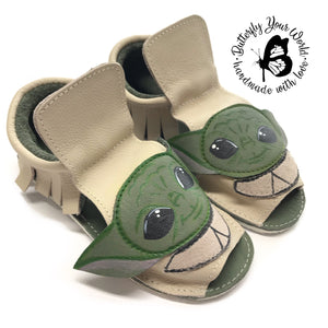 Alien sandals with rubber soles