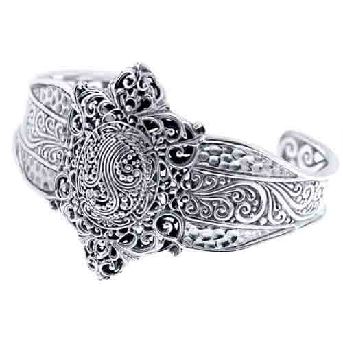 STERLING SILVER HAMMERED OVAL CUFF BRACELET