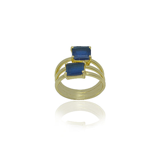 18 KARAT GOLD VERMEIL RING WITH NATURAL BLUE IOLITE