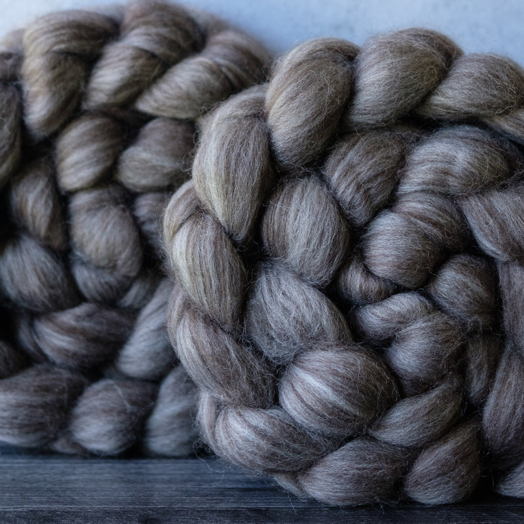 Natural yak/merino combed top, 4 oz