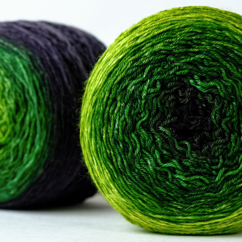 Gradient sock-weight yarn: Cthulhu